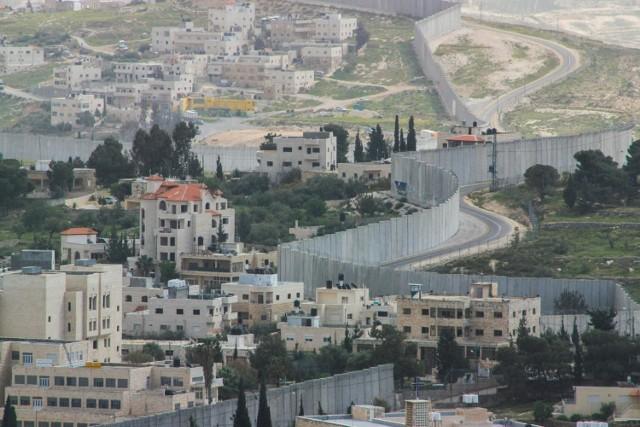 Mur odgradzający Izrael od terytorium palestyńskiego