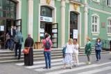Kolejki interesantów do UM w Szczecinie. Wszystko przez... wybory