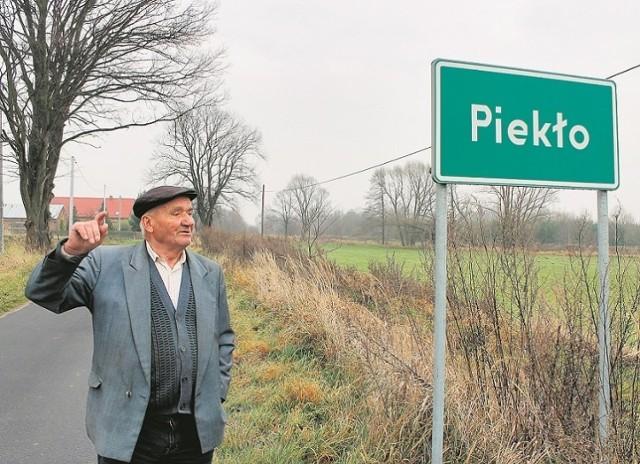 Piekło to nazwa, która występuje w wielu częściach regionu. Wsie lub ich przysiółki okrzyknięte tym mianem występują m.in. w:gminie Olesno (powiat dąbrowski), w gminie Biecz (powiat gorlicki), w gminie Bobowa (powiat gorlicki), w gminie Kozłów (powiat miechowski), w gminie Piwniczna (powiat nowosądecki).