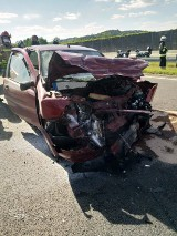 Wypadek na autostradzie A4. Zderzenie trzech pojazdów, jedna osoba ranna. Lądował helikopter pogotowia