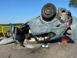 Wypadek na trasie Pogorszewo-Janowice w pow. lęborskim. 18.06.2021 r. Trzy osoby ranne w zderzeniu samochodów. Na miejscu śmigłowiec LPR