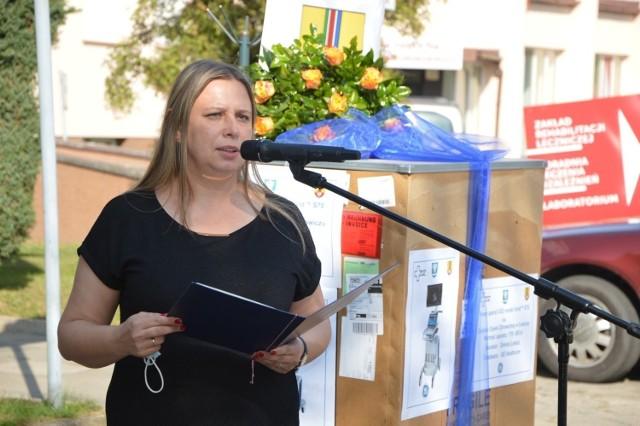 Urszula Kapusta-Tymoshchuk, dyrektor Zespołu Opieki Zdrowotnej w Łowiczu zapowiada, że niezwłocznie podejmie działania, które w razie konieczności pozwolą na utworzeniu szpitala covidowego w oddziale rehabilitacji w Stanisławowie
