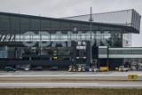 Zderzenie samolotów na lotnisku w Gdańsku. Awionetka uderzyła w samolot transportowy