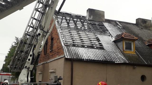 Jak informuje nas kpt. Jarosław Skotnicki z Komendy Powiatowej Państwowej Straży Pożarnej w Inowrocławiu, informacja o pożarze wpłynęła do służb o godzinie 3.25
