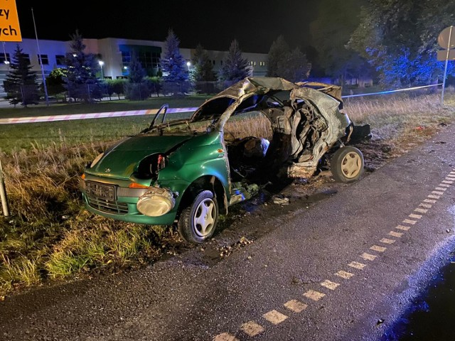 Tragiczny wypadek na ul. Bydgoskiej w Świeciu. W zderzeniu motocykla i samochodu osobowego zginęły dwie osoby