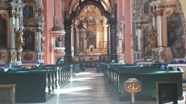 Pieniądze z Powiatu Chełmińskiego trafiły m.in. do kościoła pw. WNMP na dokończenie konserwacji i restauracji warstw malarskich i złoceń ołtarza głównego