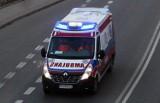 Korzenna. Trzy auta rozbite przed Urzędem Gminy. Dwie osoby ranne w szpitalu