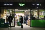 Sprawdź, co zniknie z Żabki? Sieć wycofuje te produkty ze wszystkich sklepów w Polsce