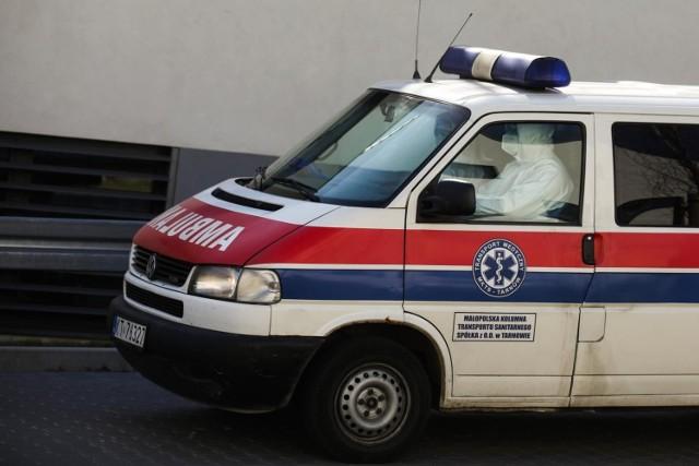 W polskich szpitalach hospitalizowanych jest teraz 571 osób. 88 z nich wymaga leczenia pod respiratorem.