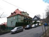 Wałbrzych: Ulica Lotników na aktualnych zdjęciach! Urocze miejsce koło Parku Sobieskiego w Wałbrzychu