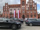 Coraz więcej samochodów w Słupsku. Rejestracja w czasach pandemii [ZDJĘCIA]