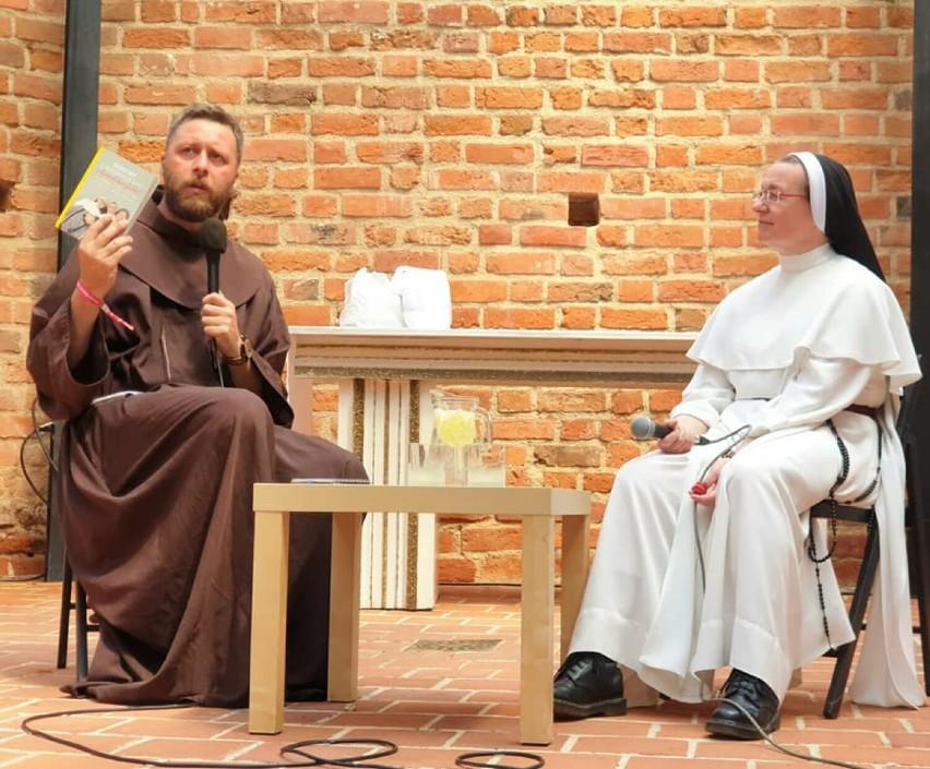 Siostra Eliza Myk była gościem Jarocin Festiwal. Spotkanie z Dominikanką z Domu Chłopaków w Broniszewicach