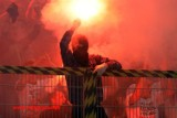 Lech Poznań dostał karę za odpalenie rac na meczu z GKS Bełchatów