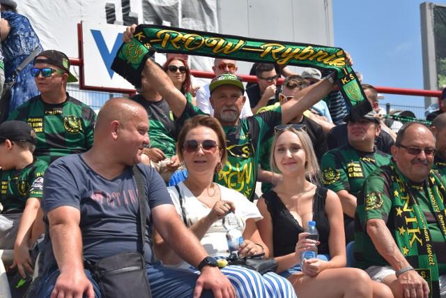 Dobre humory towarzyszyło kibicom ROW-u jedynie przed meczem...