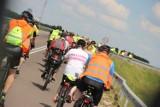 Zambrów na rowery 2021. Rowerzyści wyruszyli w pierwszą trasę [zdjęcia]