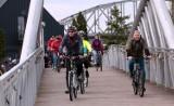 """Grudziądz. 120 rowerzystów pojechało w turystycznym rajdzie """"Szlakiem budowli militarnych Twierdzy Grudziądz""""  [zdjęcia]"""