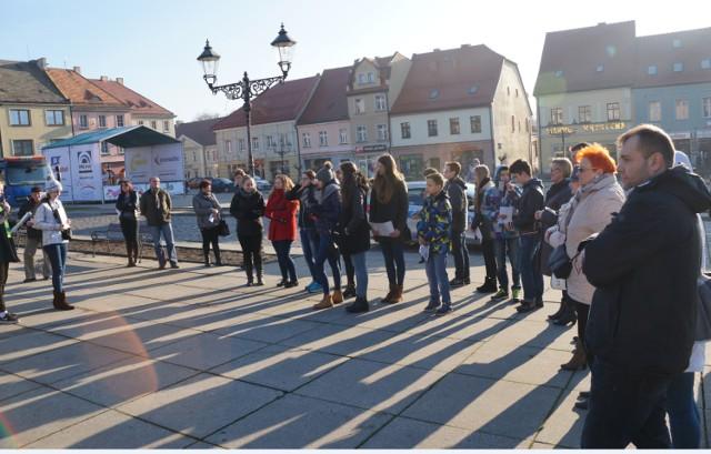 Uczniowie Gimnazjum nr 1 oprowadzili mieszkańców śladami wodzisławskich Żydów