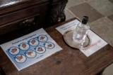 Do kościoła w Chotowej bez bileciku na mszę św. nie wejdziesz. To sposób na koronawirusa