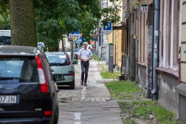 W 2017 roku remonty chodników na ul. Mazowieckiej w centrum Bydgoszczy zostały wpisane na listę inwestycji w ramach BBO. Do dziś nie są wyremontowane.