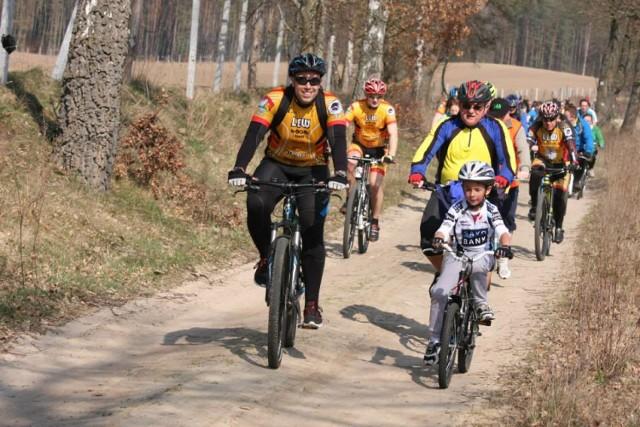 Rozpoczęcie sezonu rowerowego przez stowarzyszenie rowerowe Lew Lębork