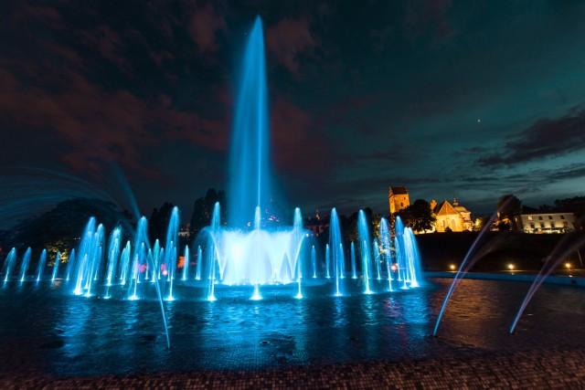 8 maja warszawskie fontanny będą turkusowe z okazji Dnia Świadomości Raka Jajnika