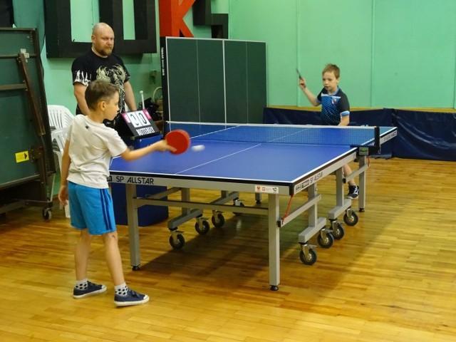 Tenisowy turniej w Chełmnie rozegrali młodzi zawodnicy z całego województwa