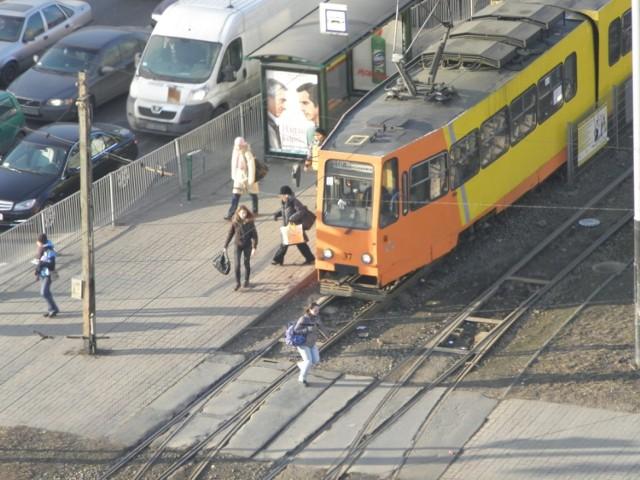 tramwaj 46