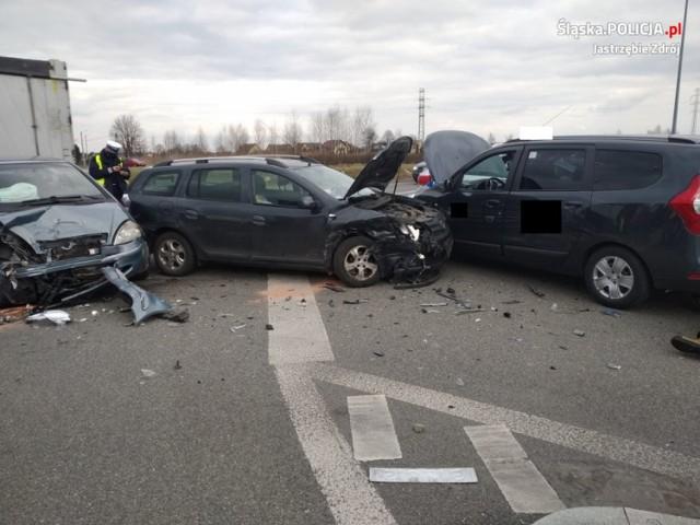 Wypadek w Jastrzębiu: na Pochwaciu zderzyły się trzy auta