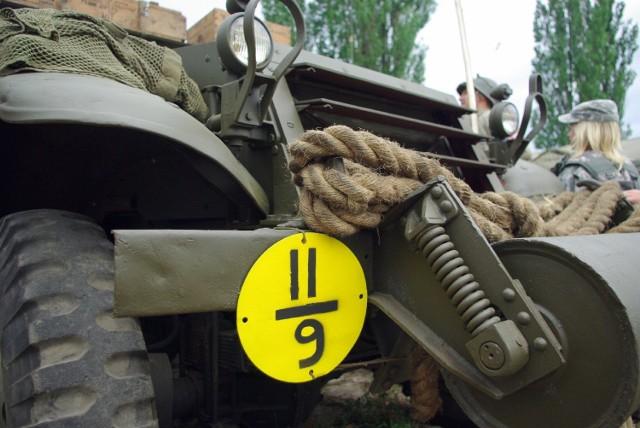 Grupy rekonstrukcyjne, czołgi, wozy bojowe i setki kilogramów ...