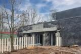 Budowa Orientarium w łódzkim zoo. NOWE ZDJĘCIA. Trwa aranżacja pomieszczeń dla zwierząt. Wiadomo już, kiedy otwarcie