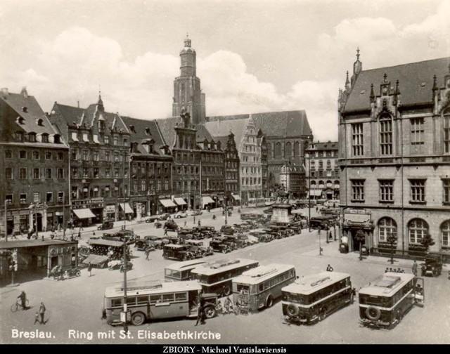 Rynek to duma Wrocławia. Tak było też w niemieckim Breslau - choć serce miasta wyglądało wtedy nieco inaczej niż dziś. Zobaczcie zdjęcia Rynku i placu Solnego tuż przed wojną - w latach trzydziestych ubiegłego wieku.  Posługujcie się klawiszami strzałek, myszką lub gestami.