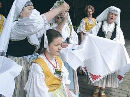 Poczas przeglądu będzie można zobaczyć różne obrzędy w wykonaniu zespołów nie tylko z Beskidów, ale całego Śląska.  Wojciech Trzcionka