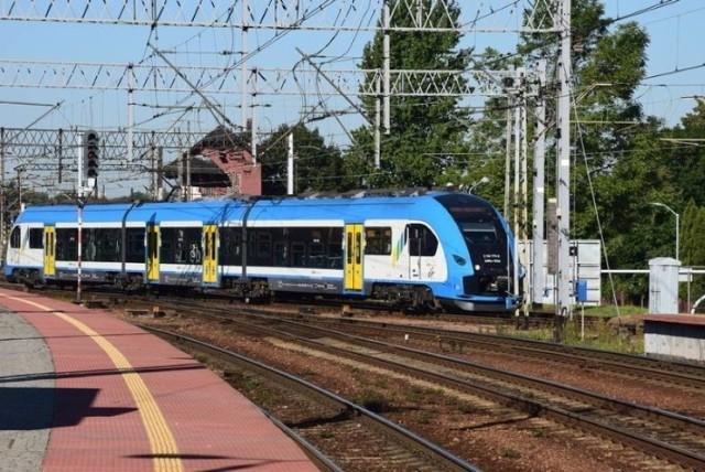 Pociąg relacji Częstochowa-Gliwice został ostrzelany w Katowicach? Policja bada sprawę