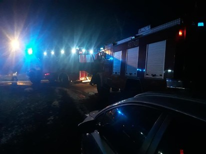 Pożar drewnianej szopki w Golimowie. Na miejscu działały 4 zastępy straży