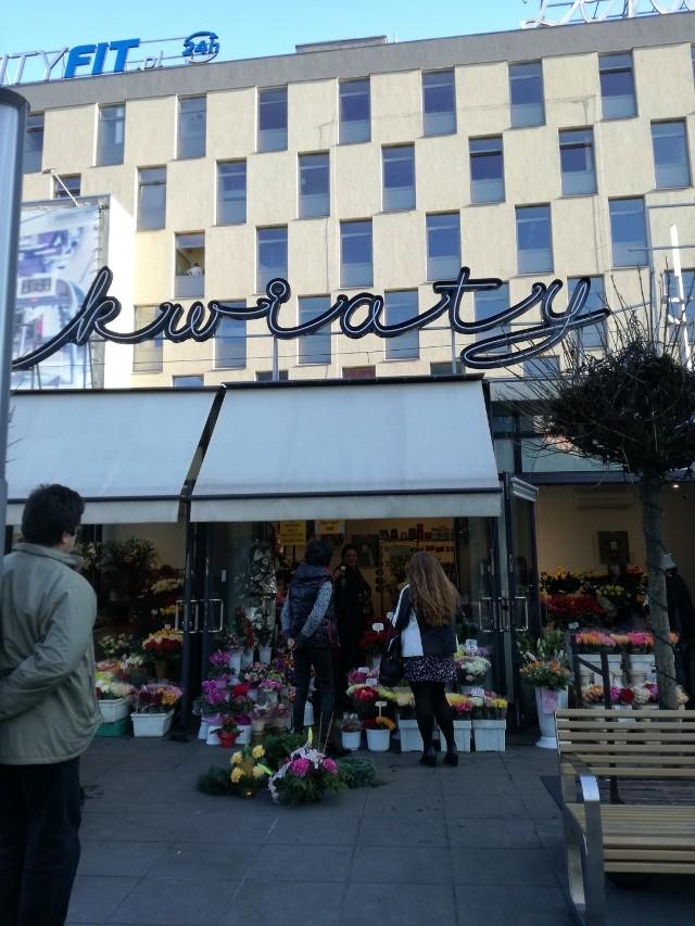 Nowy neon na rynku w Katowicach