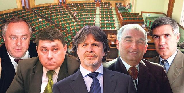 Byli parlamentarzyści z naszego regionu. Cóż, w tej kadencji trochę na bocznicy: Tadeusz Motowidło (SLD), Grzegorz Janik (PiS), Andrzej Sośnierz (PJN), Jan Rzymełka (PO), Zbigniew Szaleniec (PO)