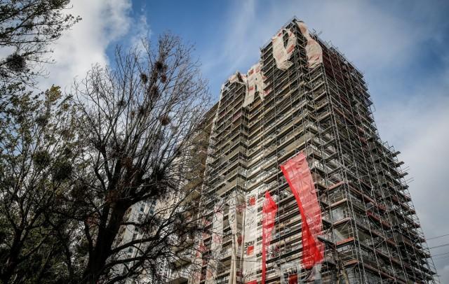 Na zakup mieszkania od lat nie brakuje chętnych, a lokale zwykle sprzedają się już na etapie tzw. dziury w ziemi.