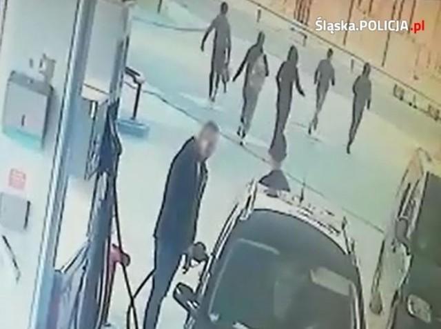 Katowicka policja zatrzymała sześciu obywateli Afganistanu. Mężczyźni wjechali do Polski w ciężarówce wiozącej ziemniaki