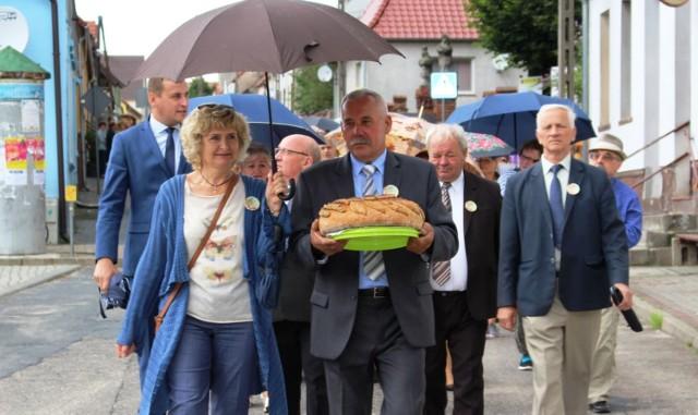 Żniwa zakończone, zatem najwyższy czas na świętowanie. Okazją do wspólnej zabawy rolników z gminy Bledzew były oczywiście dożynki, zorganizowane w sobotę, 2 września, przez Bibliotekę Publiczną.