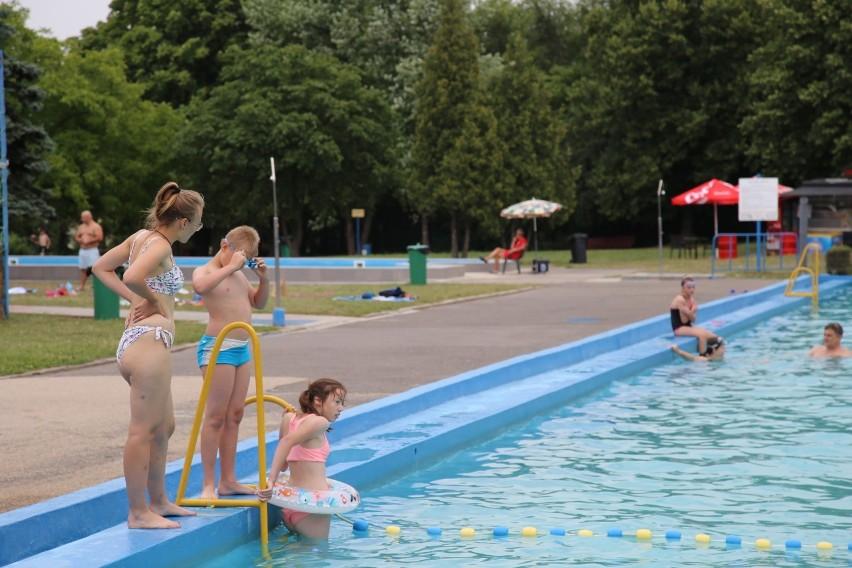 Odkryty basen przy ulicy Szczecińskiej od lat jest miejscem,...