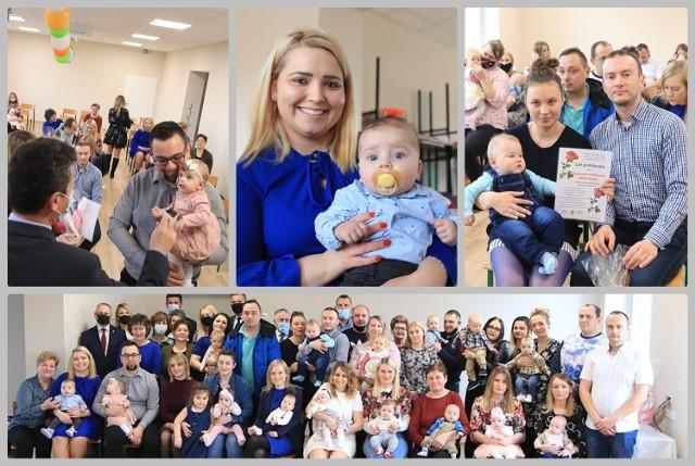 Bobrowniki - wręczenie listów gratulacyjnych rodzicom oraz prezentów ich dzieciom urodzonym w drugiej połowie roku 2020.