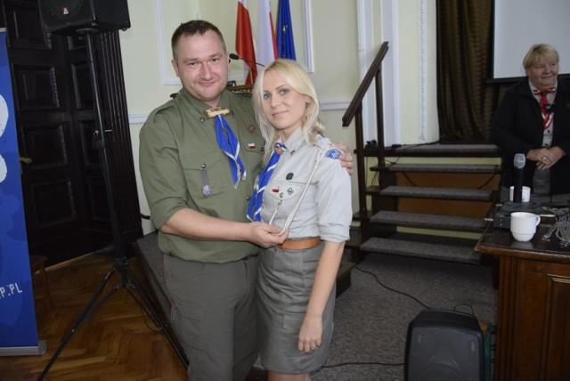 Odbył się zjazd nadzwyczajny skierniewickiego hufca ZHP. Dotychczasowy komendant hufca Bartłomiej Wójcik pożegnał się z delegatami i wskazał swoją następczynię – Liwię Małczak, pełniącą dotychczas funkcję skarbnika hufca. Jej kandydatura została poddana głosowaniu, w wyniku którego została komendantką skierniewickiego hufca Związku Harcerstwa Polskiego.