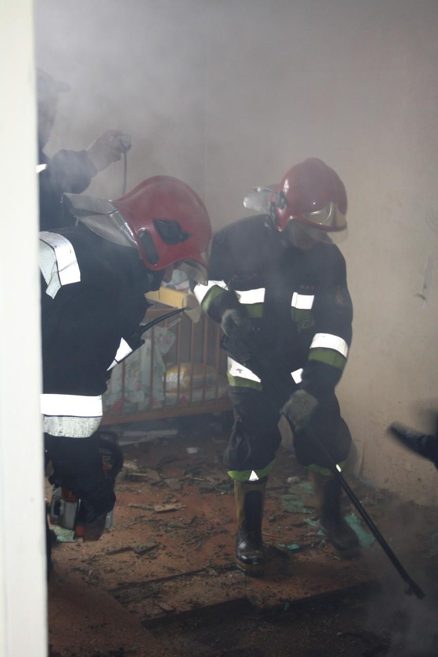 Śrem - Pożar przy ul. Młyńskiej. ZDJĘCIA