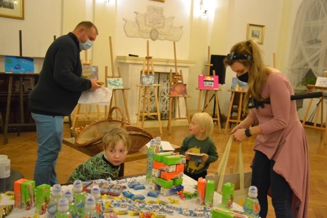 Miejskie Centrum Kulturalne w Lipnie zorganizowało Dzieło Roku Dzieci i Młodzieży – regionalny festiwal sztuk wizualnych.