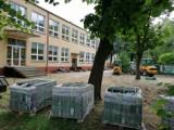 Ruszył remont placu zabaw przy Przedszkolu nr 2 w Wągrowcu. Zobacz zdjęcia