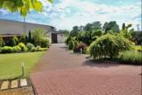 Rezydencja w Łowiczu na działce 4000 m2 z zagospodarowanym ogrodem na sprzedaż