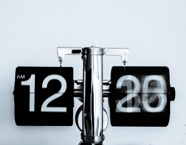 O organizacji czasu każdy słyszał, ale mało kto próbował tego w praktyce. Tymczasem to najprostszy sposób na to, by doba stała się dłuższa, zadania były realizowane, a czas wolny magicznie się odnalazł. Brzmi jak marzenie? Może stać się twoją rzeczywistością! Poznaj niezawodne sposoby na organizację czasu.