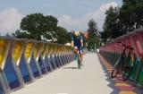 Pierwsza kładka rowerowa nad Wisłokiem w Rzeszowie już otwarta! Kolorowe szkło, żywica epoksydowa. Zobacz zdjęcia