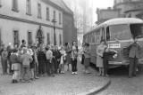 """Sieradzanie na wycieczce """"ogórkiem"""" w Warszawie w latach 60. Niepublikowane ZDJĘCIA"""