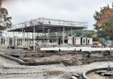 Dach nad dworcem w Goleniowie już wkrótce. Co dzieje się na placu budowy?